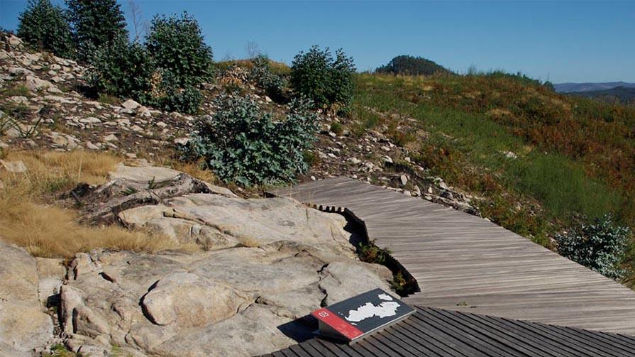 05 Area Arqueoloxica Touron Coto Sombrinas 01