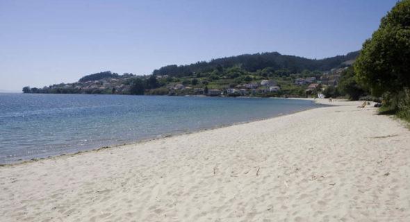 Poio: Praia De Laño, En Samieira