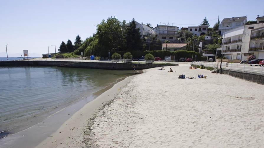 Poio: Praia De Covelo, En Samieira