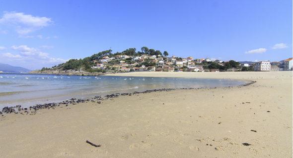 Playa De Lapaman