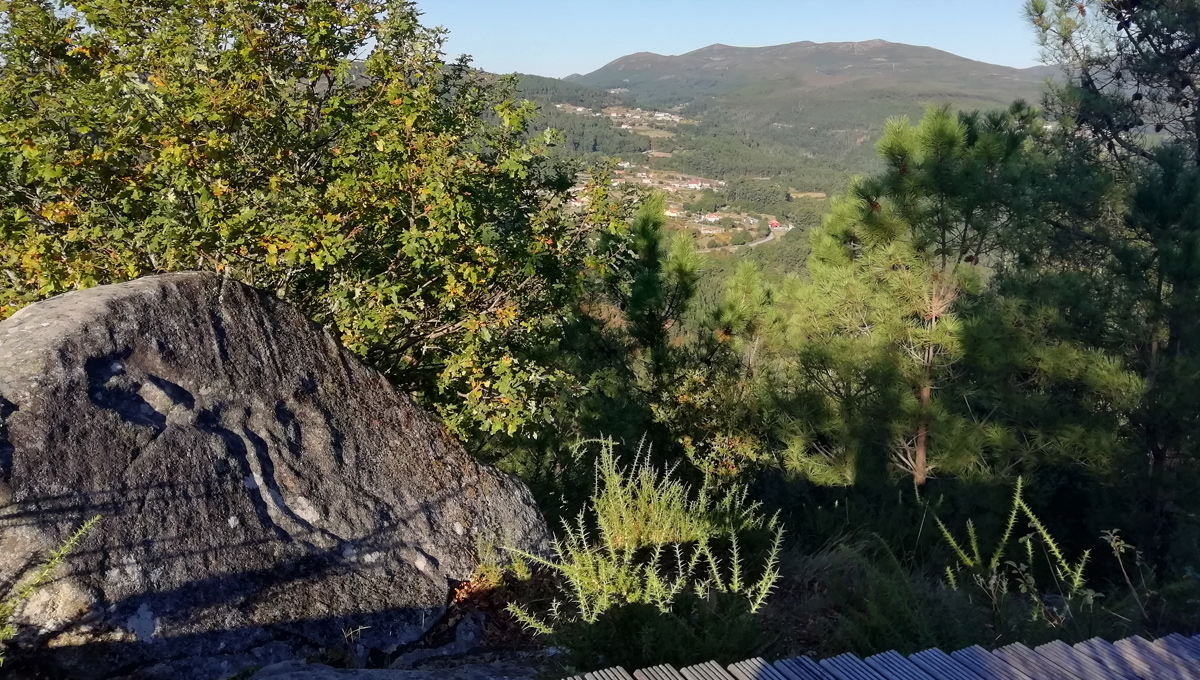 Pedra Da Serpe Campo Lameiro